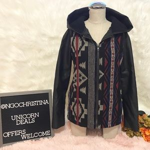 F21 Aztec Pattern 90's Style Fleece Hooded Jacket
